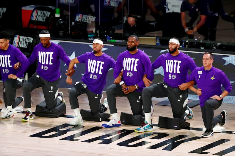 Los Angeles Lakers take a knee