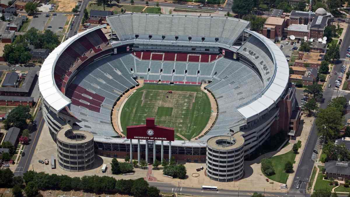 Platz 8 der größten Stadien der Welt : Bryant–Denny Stadium, USA: