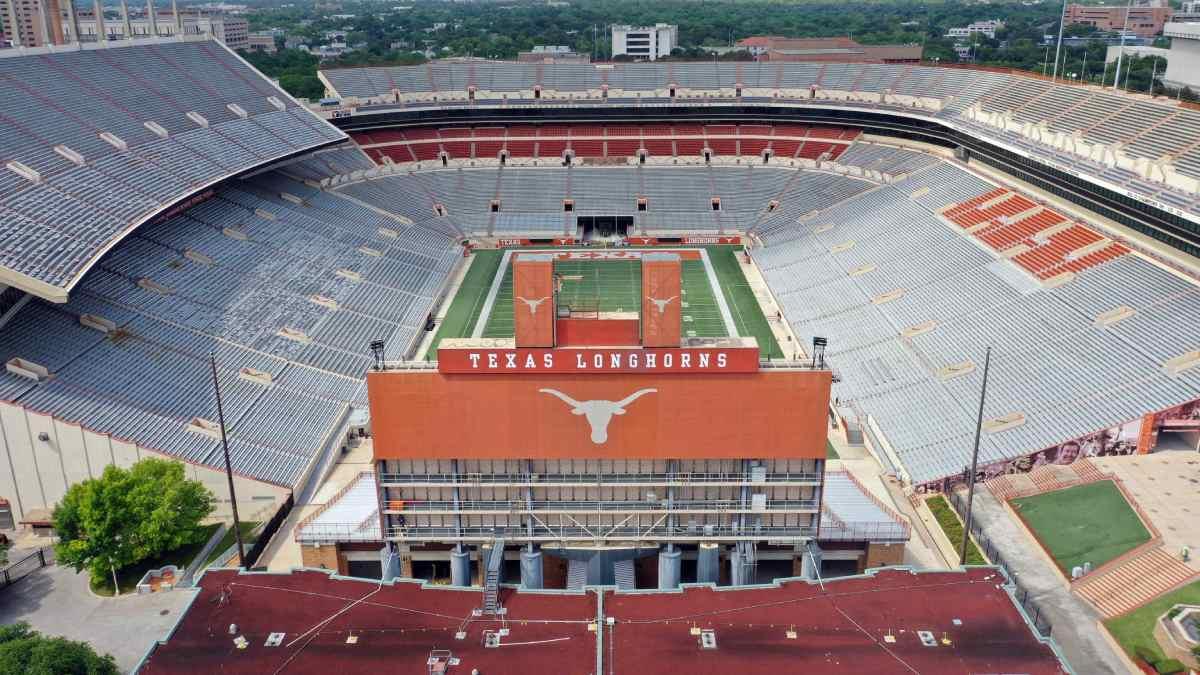 Platz 9: Darrell K Royal-Texas Memorial Stadium, USA: